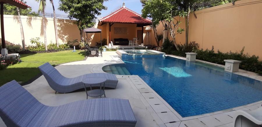 Villa For Sale Located At Mumbul Complex