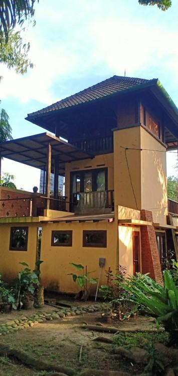 Spacious House Style Villa For Sale In Cekomaria Denpasar