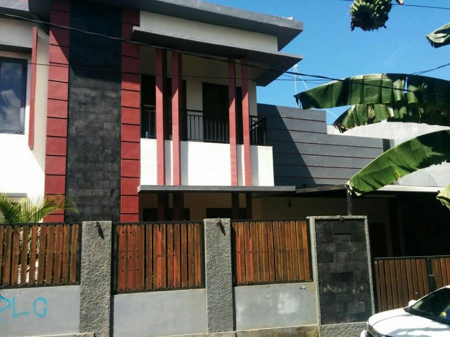 House For Sale At Taman Griya Complex