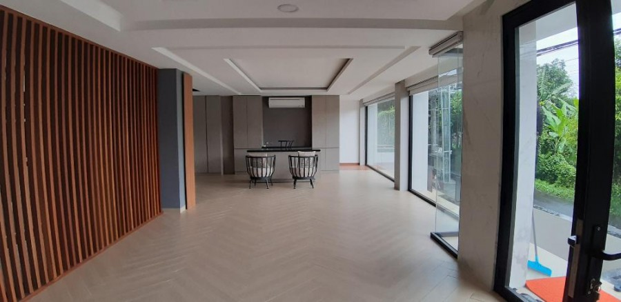 Brand New & Exclusive 45 Bedrooms Homestay At Renon
