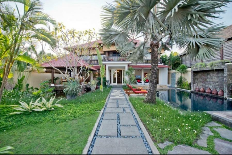 Big Land Villa in Brawa Close to Finns Beach
