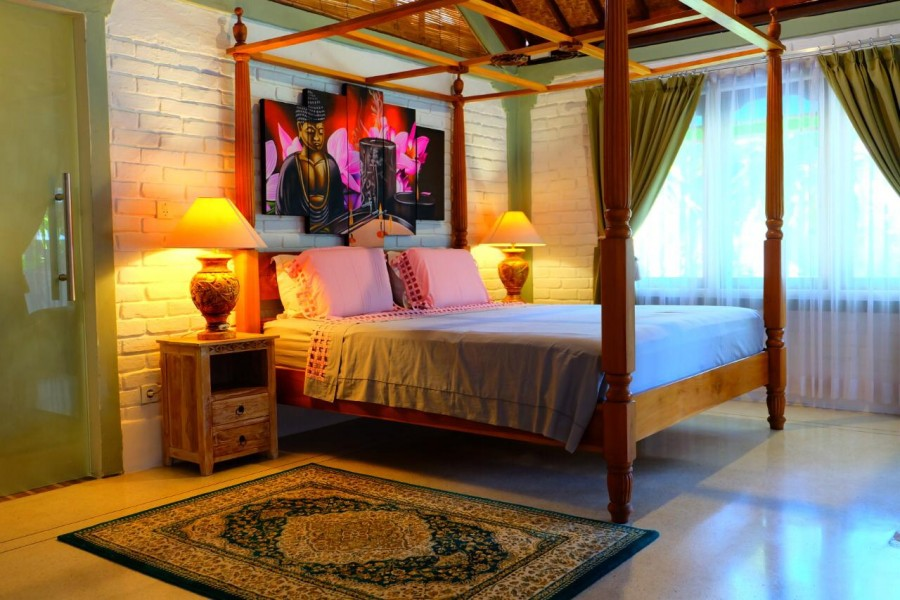 Tropical Balinese Rustic Style Villa Located At Prime Location Double Six