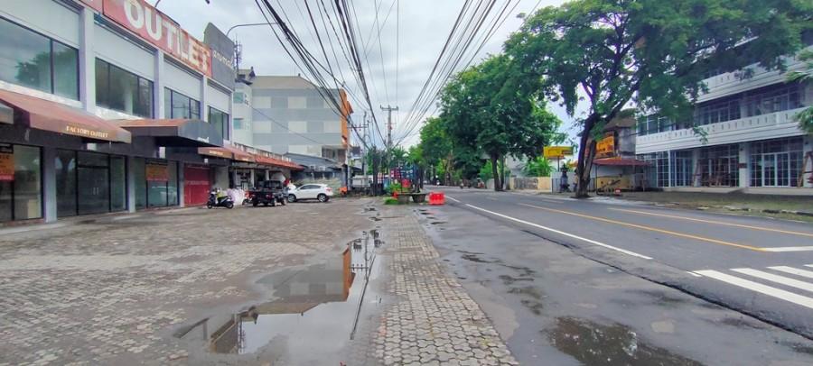 Big Building For Rent In Main Road Kuta